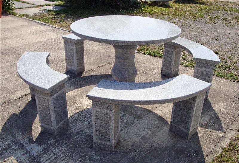 S u m stein und mehr steinmetz in vogtsburg achkarren for Tisch aus granit